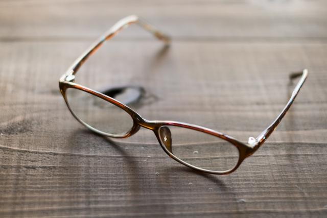 【家で免疫力を上げる方】メンタル弱ってる時はメガネをしない方が良い?